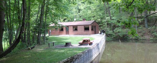 Hocking Hills Backwoods Retreat